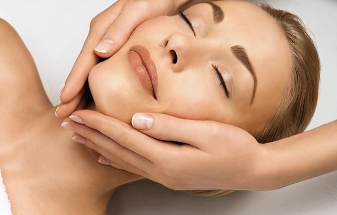 La ruga da un punto di vista posturale:il massaggio Anti-Aging al viso