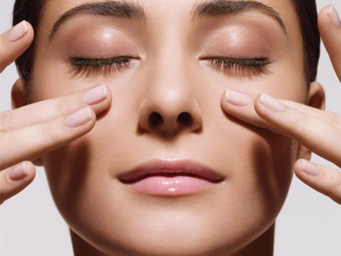 Promozione Luglio: il massaggio terapeutico al viso per donna e uomo!